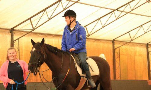 Aangepast paardrijden