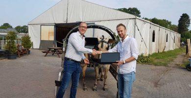 Heutink ICT geeft De Gravenruiters een laptop
